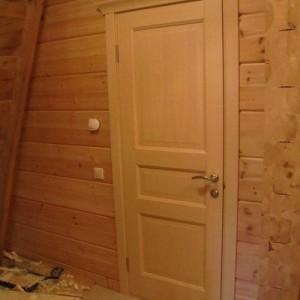 Деревянные двери для дачи>