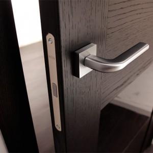 Магнітні замки для міжкімнатних дверей>