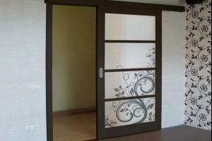 Большие межкомнатные двери в широкие и высокие проемы