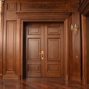 Межкомнатные деревянные двери>