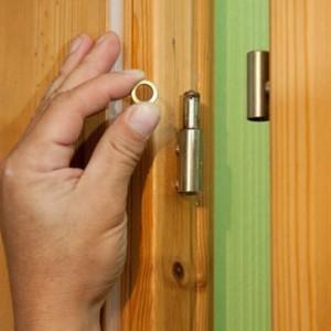 Міжкімнатні двері без замків і завісів>
