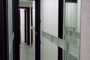 Міжкімнатні двері з дзеркалом