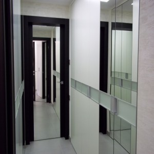 Міжкімнатні двері з дзеркалом>