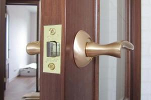 Что включает в себя установка двери под ключ
