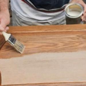 Як оновити дерев'яні двері>
