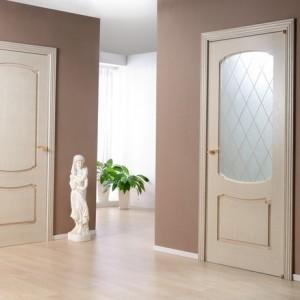 Міжкімнатні двері висотою 2100: як вибрати?>