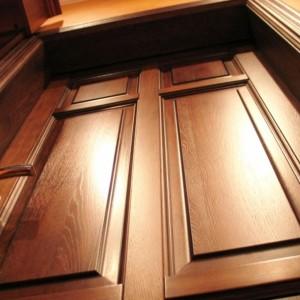 Установка дверей з масиву: як уникнути серйозних помилок>