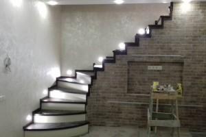 Какой материал предпочесть при выборе деревянных лестниц?