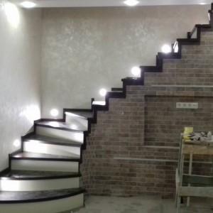 Який матеріал віддати перевагу при виборі дерев'яних сходів?>